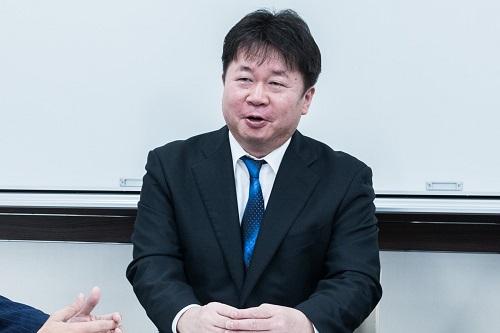山本弁護士